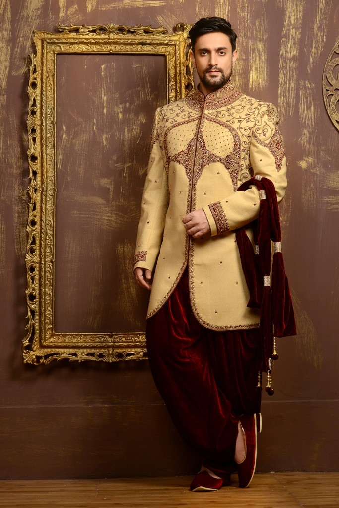 GOLD COLOUR TRADITIONAL WHITE INDOWESTERN