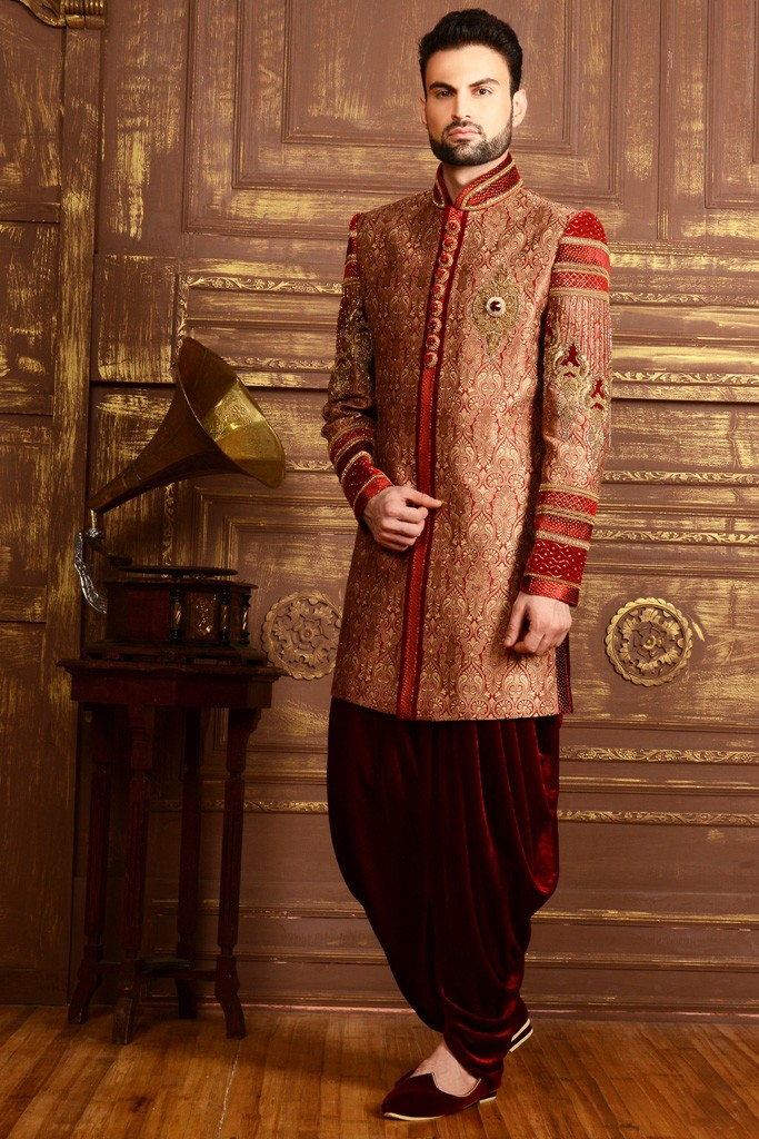 MAROON COLOUR RAVISHING INDOWESTERN
