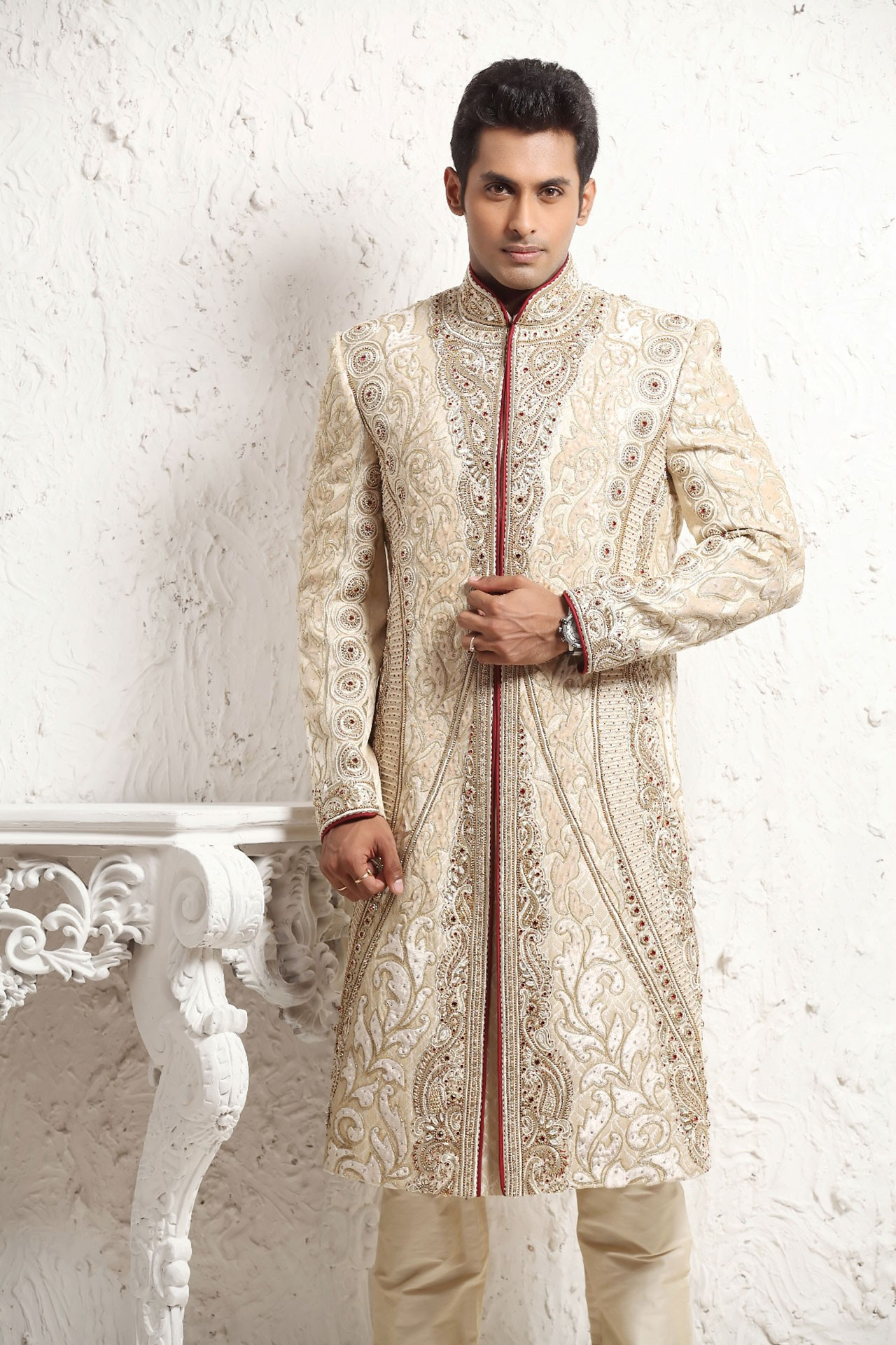 RAVISHING GROOM SHERWANI