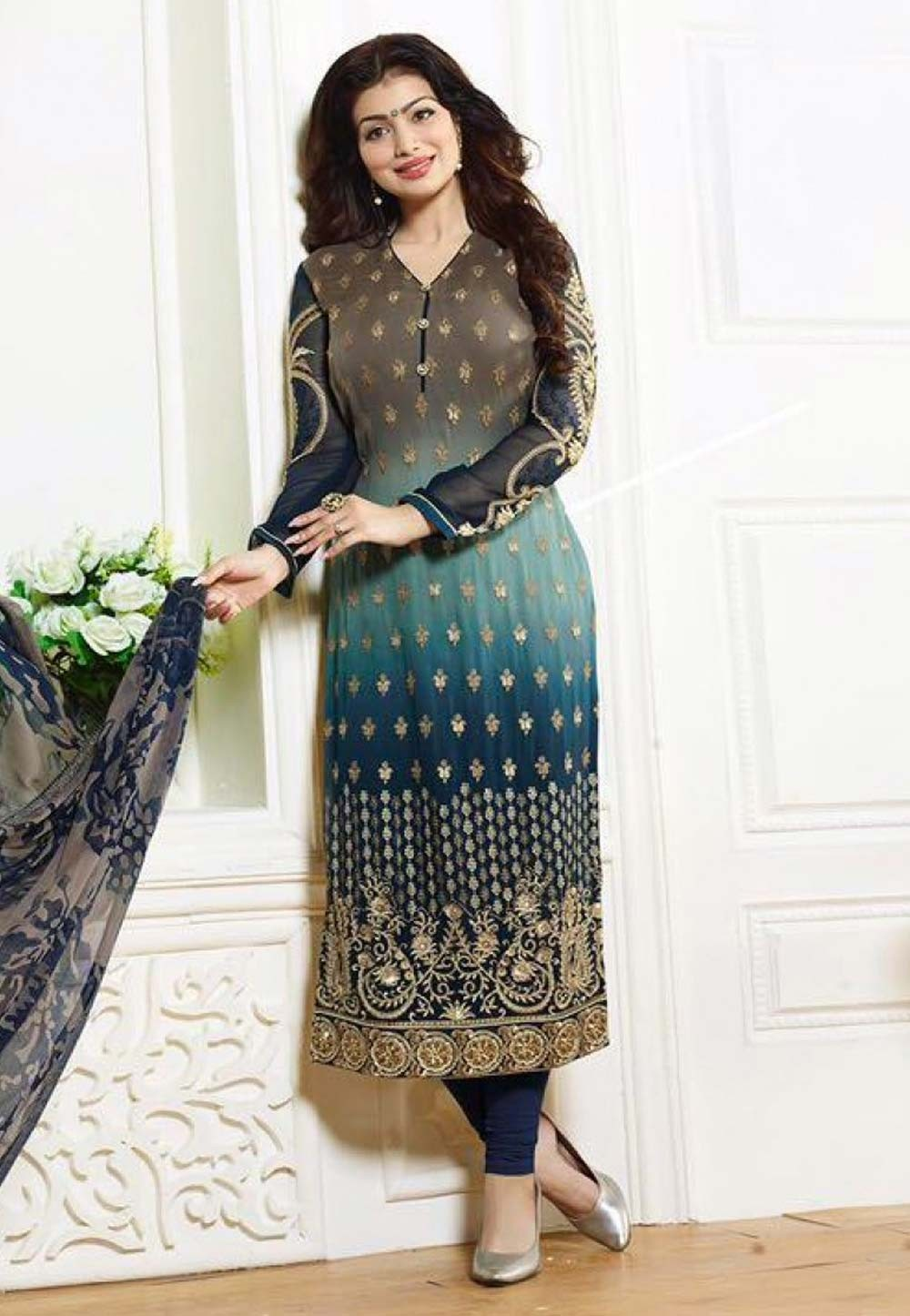 Straight Cut Style Salwar Kameez in Multi Color & Georgette Fabric
