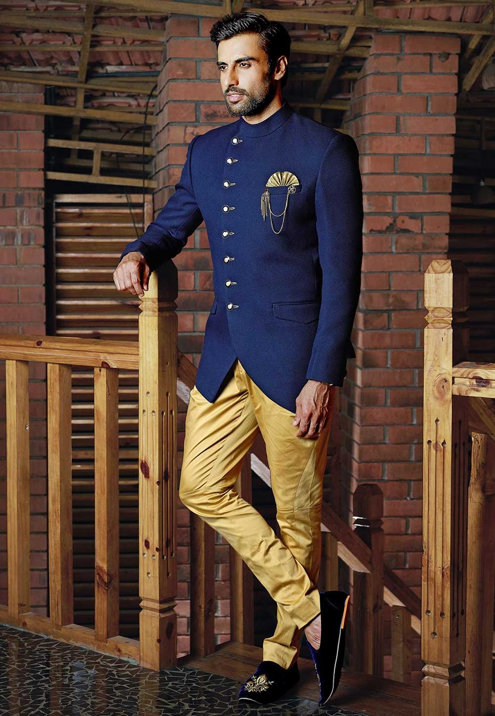 Buy stylish designer suits for men in blue Colour