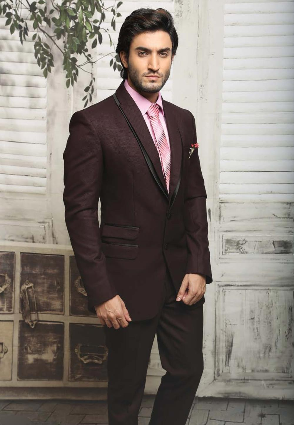 Dashing Wine Color Tuxedo Mens Wedding Suits Online