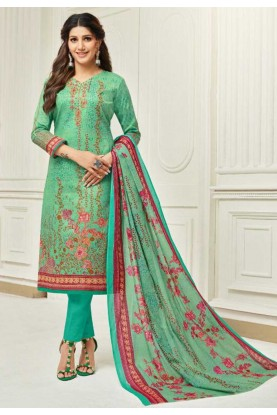 Green Colour Casual Salwar Kameez.
