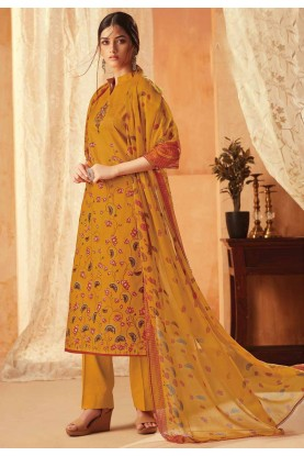 Yellow Colour Casual Salwar Kameez.