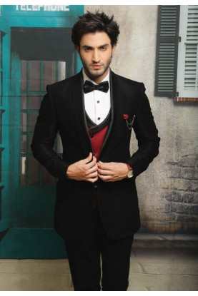 Best Wedding Suits for Men in Designer Tuxedo Suit with Italian Fabric