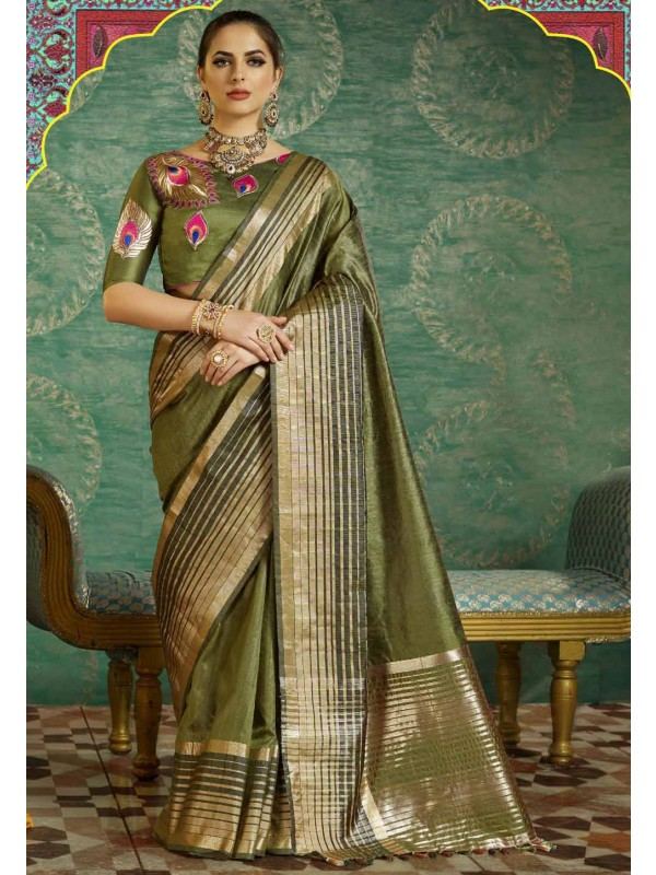 Green Color Saree With Fine-looking Plain Pallu