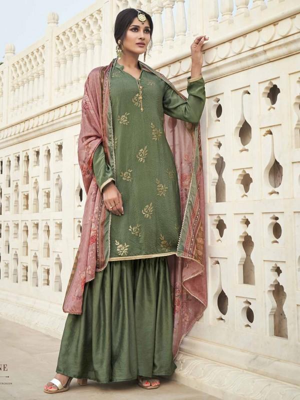 Green Colour Silk Pakistani Style Salwar Kameez.