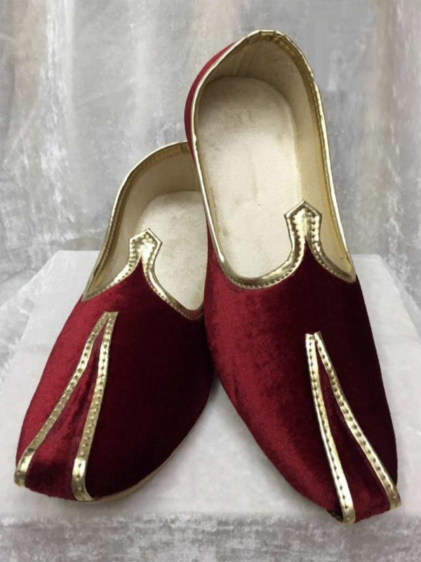 Velvet Mojari in Maroon Colour.